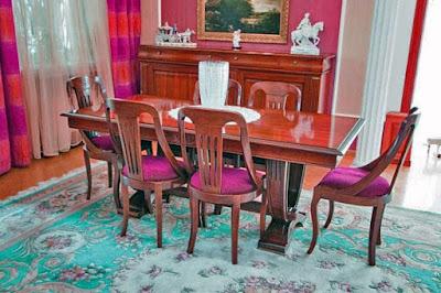 А это фото гостиной с мебелью из массива дерева