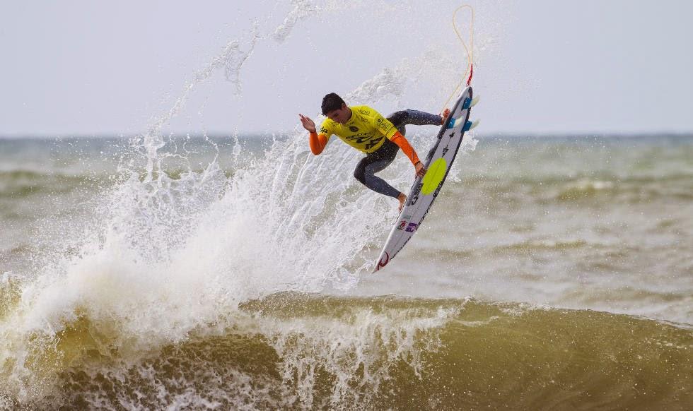 42 2014 Moche Rip Curl Pro Portugal Gabriel Medina Foto ASP Damien%2B Poullenot Aquashot
