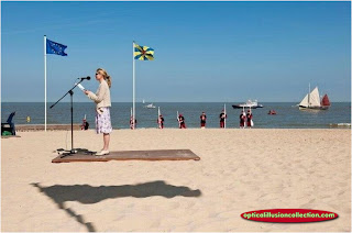 flying carpet illusion