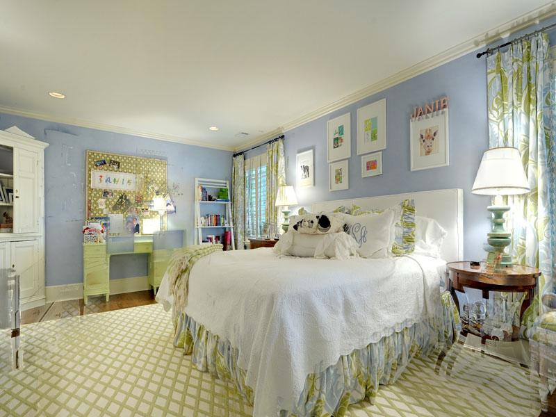 tips membuat desain kamar tidur putih romantic desain