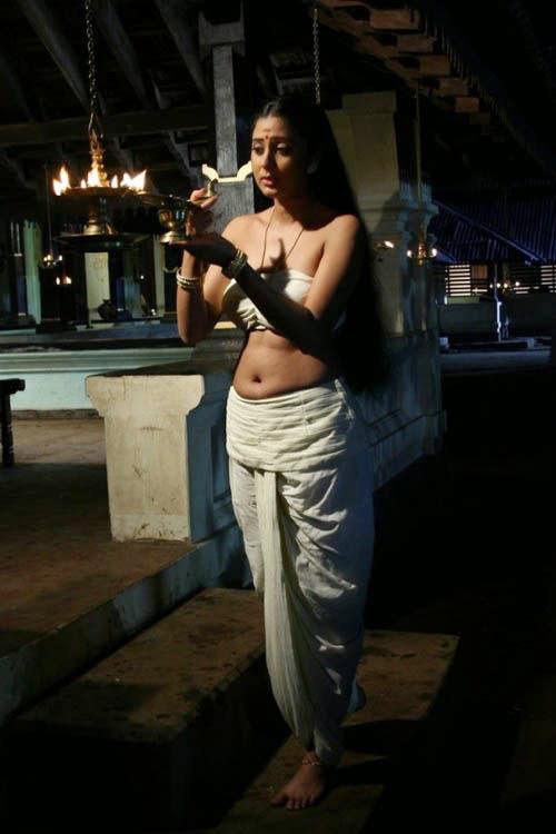 Actress Kanika Latest Hot images