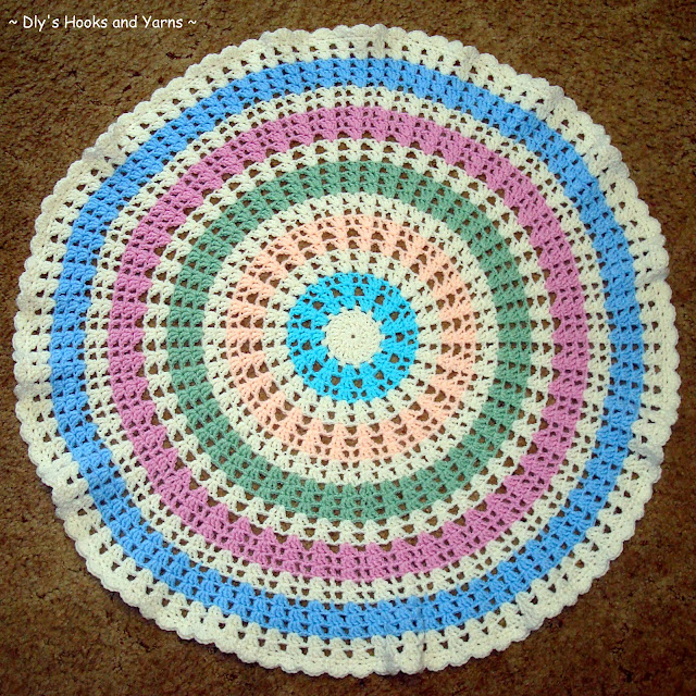 Crochet Pattern For Chevron Baby Afghan : ~ Dlys Hooks and Yarns ~: ~ a round baby blankie (aka the ...