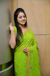 Reshma Rathore in Beautiful Mini Skirts and Short Dresses Glamorous Pics