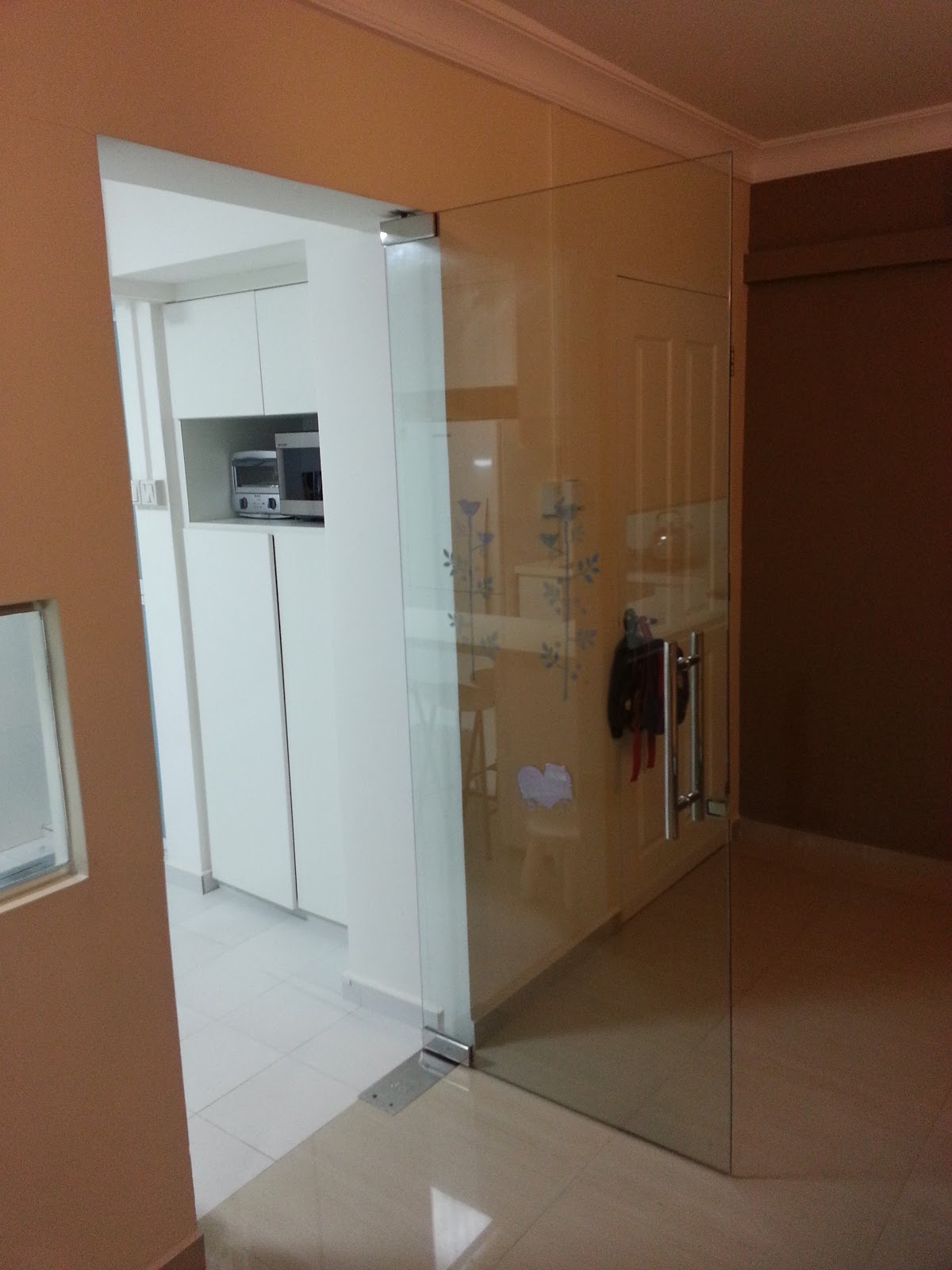 Our hdb flat renovation in 2009 glass door and kitchen for Kitchen door with window