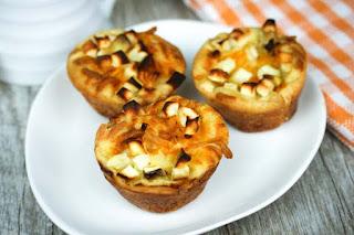 apple-cheddar-muffins