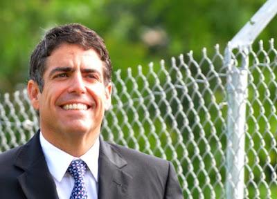 Rivera Schatz Sospechosamente Seguro Que Hombre Desnudo En Fotos No Es El Senador Arango