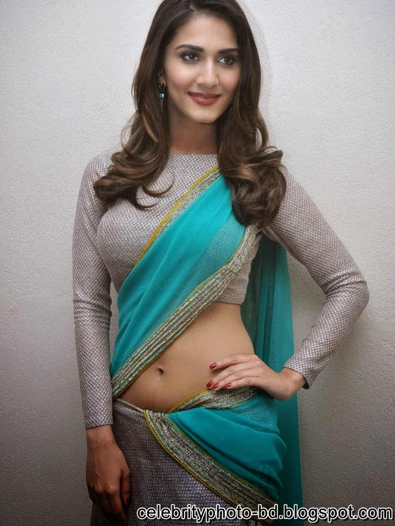 vaani+kapoor+hot+navel+photos+at+aaha+kalyanam+movie+press+meet013