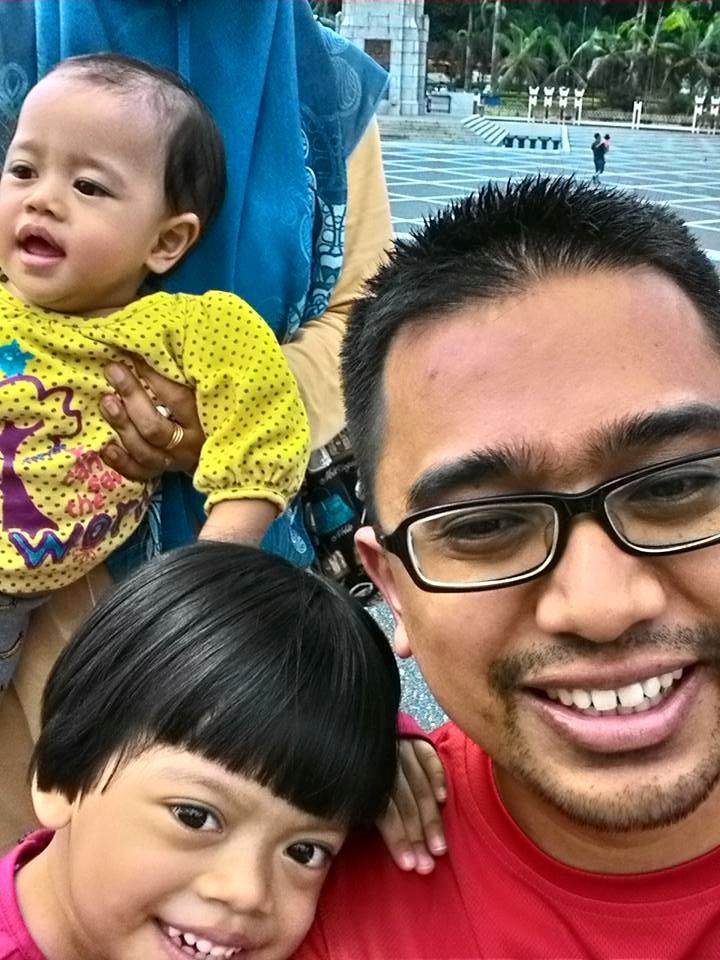 2015 on Ramadan 18 #familypotrait #momytakdekepala