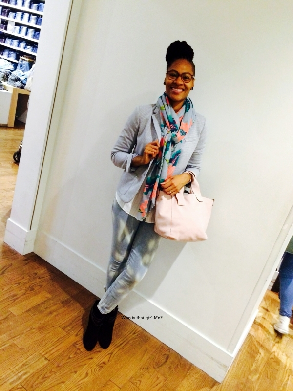 Gap blogger event pose1 {whoisthatgirlmo}