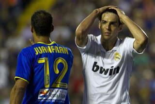 Real Madrid cede terreno y Valencia es nuevo líder