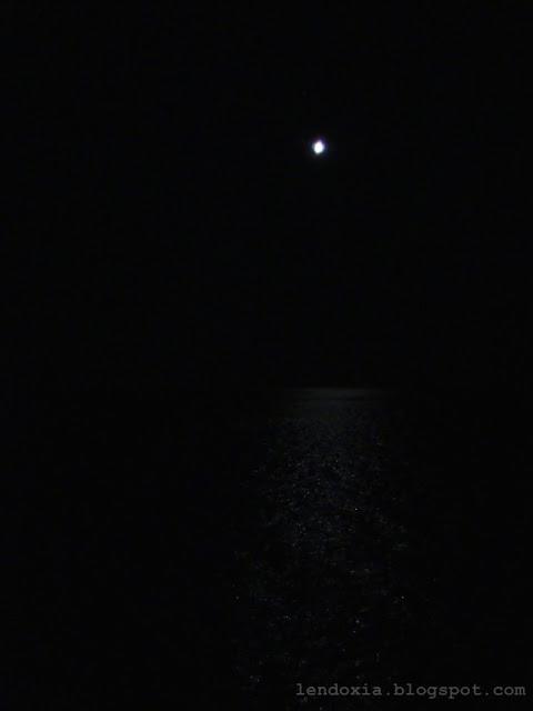 mjesecina na moru