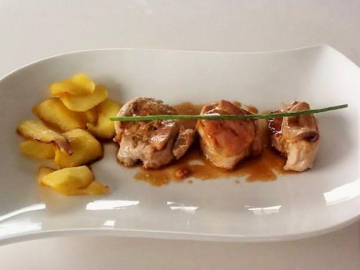 http://elblogdeeliaencasa.blogspot.com.es/2014/06/solomillo-con-foie-fresco-y-manzana.html