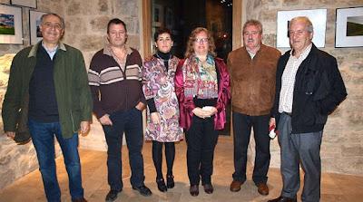 Fotografía del Diario de Noticias con algunos miembros de la Asociación.