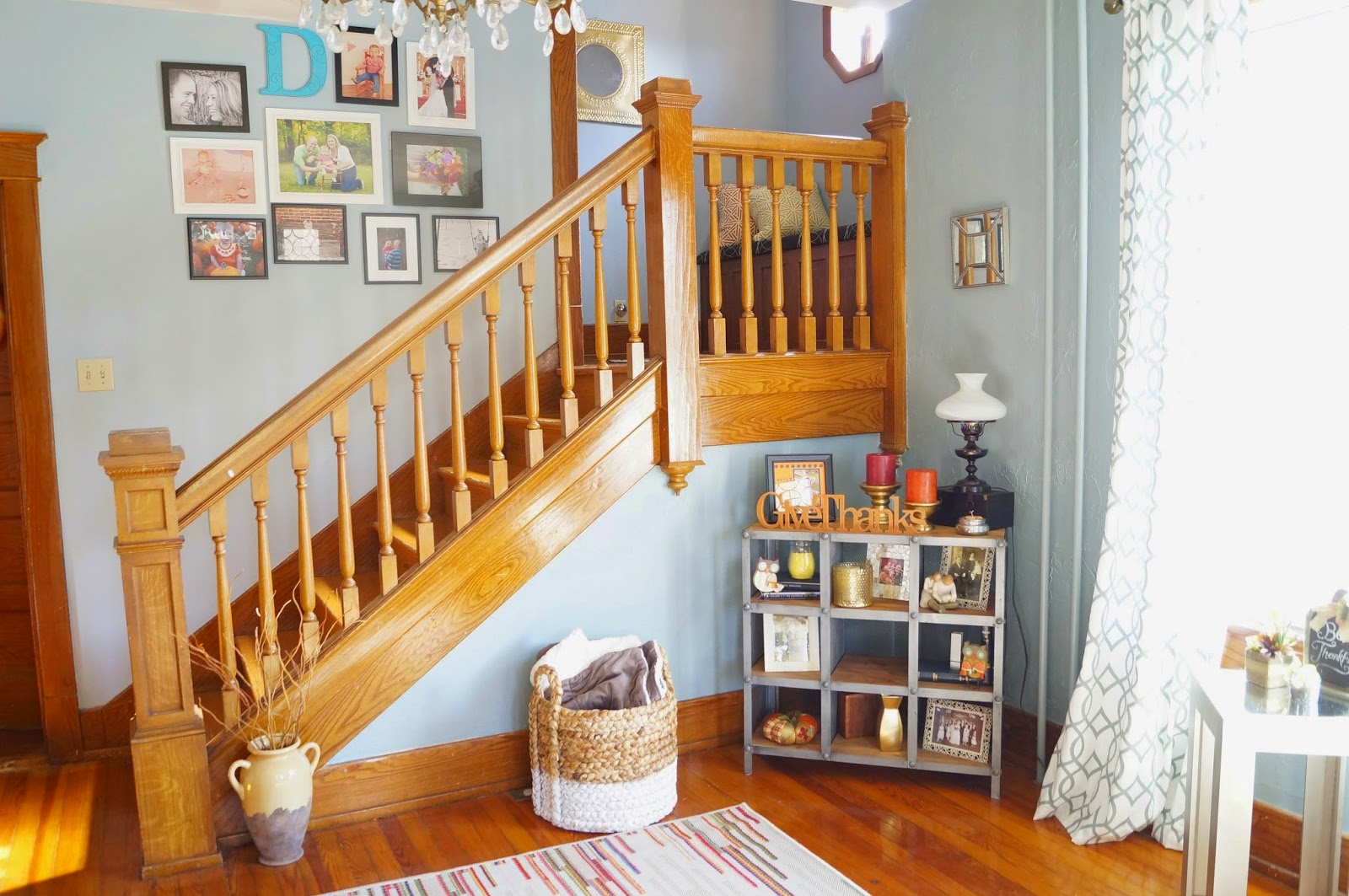 Benjamin Moore Cloudy Sky and Behr Arctic Ocean in a Traditional Foyer