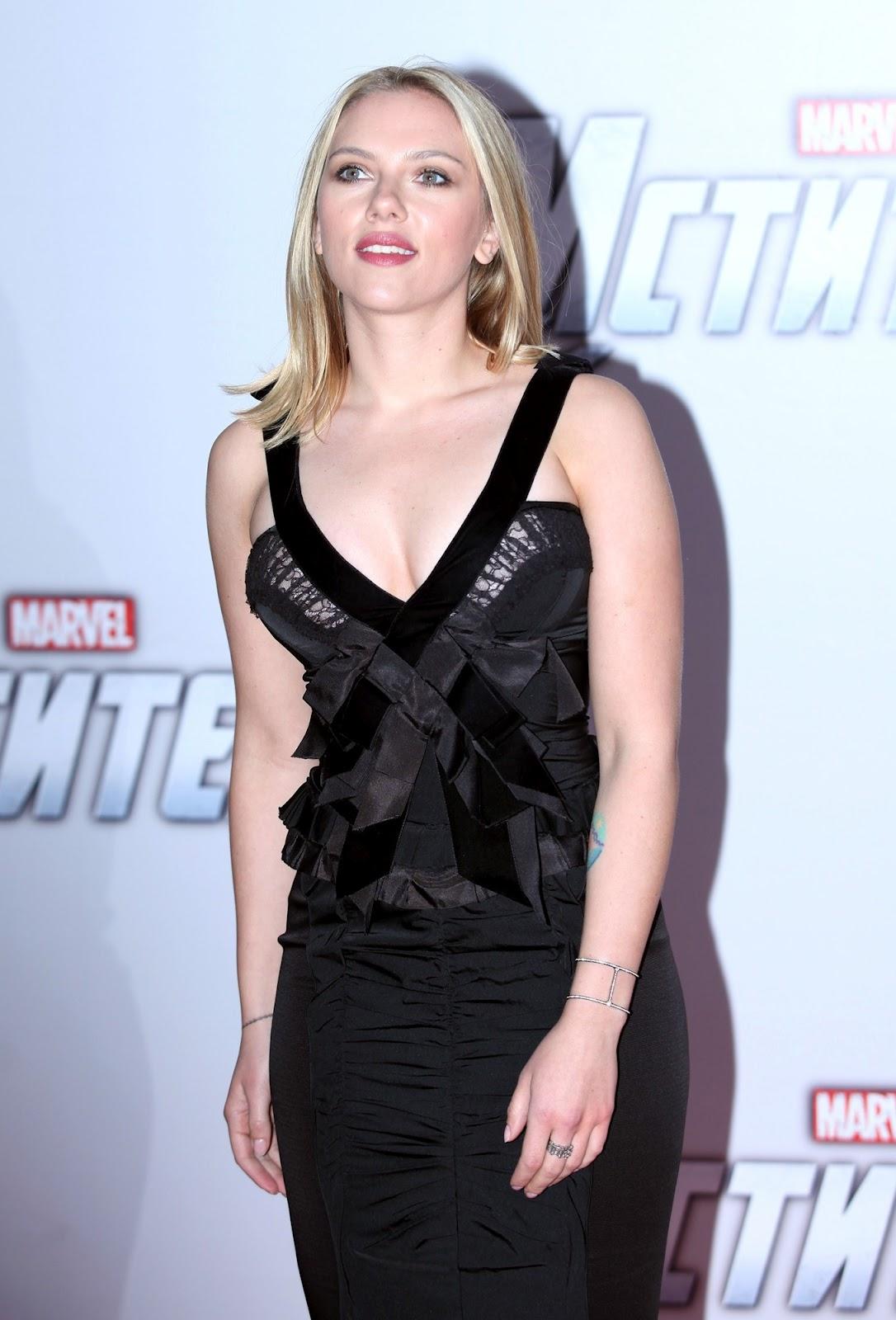 http://2.bp.blogspot.com/-yYka6M8N2iU/T4_dUYqXT-I/AAAAAAAABBE/gN7KykUDgLM/s1600/Scarlett_Johansson_The_Avengers_premiere_Moscow_2012_08.jpg
