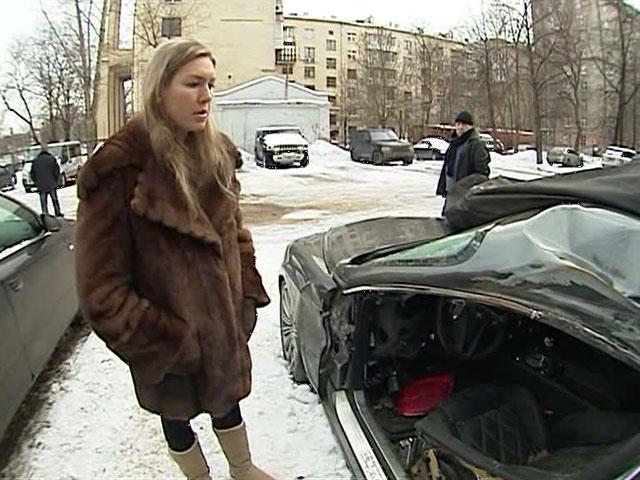 жена футболиста разбилась на бентли памятник