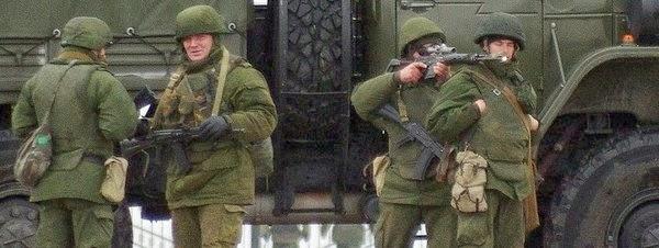 la-proxima-guerra-soldados-no-identificados-invaden-aeropuertos-en-crimea-ucrania