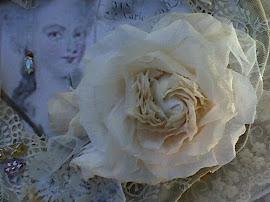 brocante bijouteriedoosje met papieren roos