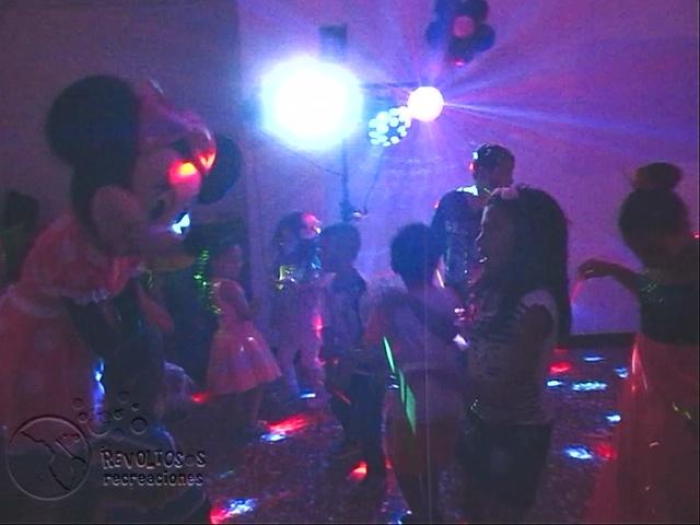 recreacionistas-medellin-chiquiteca-efectos-de-luces-para-fiestas-infantiles-1