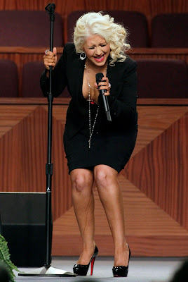 Christina Aguilera Performing And Menstruated Down Her Leg On Stage