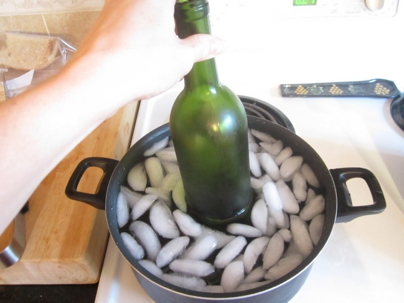 Wine cork diy how to successfully cut glass bottles How can i cut glass at home