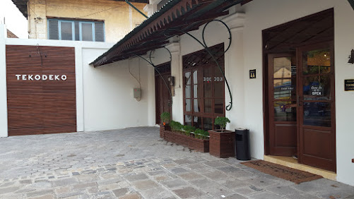 Tekodeko Koffiehuis – Cafe Kota Lama
