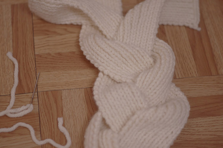 tricoter une tresse. Black Bedroom Furniture Sets. Home Design Ideas