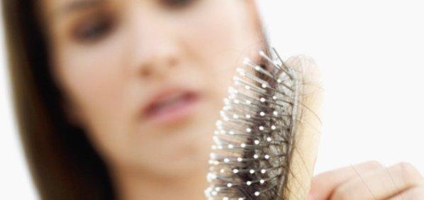 Apakah Anda sedang mengalami persoalan rambut rontok dan ingin mencar ilmu tips terbaik  Cara Mengatasi dan Mencegah Rambut Rontok