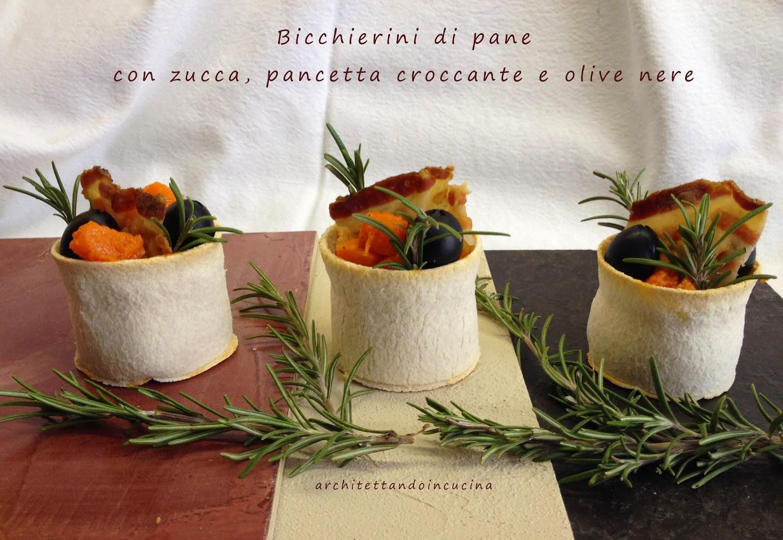 bicchierini di pane con zucca, pancetta croccante e olive nere