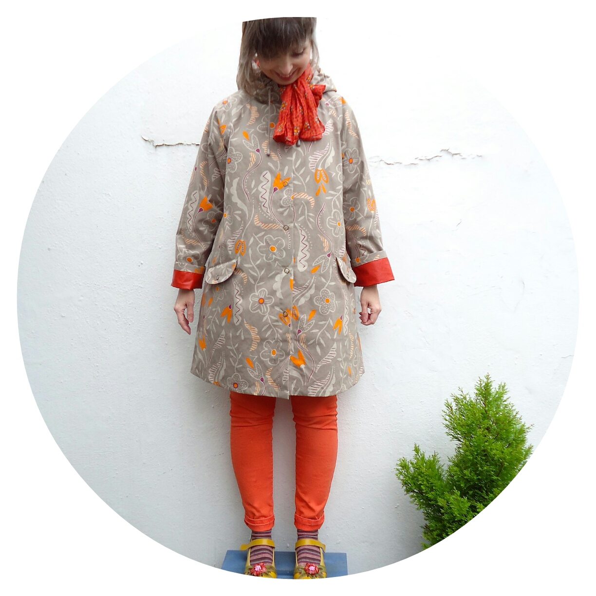 Kamelia raincoat: flowers in the rain