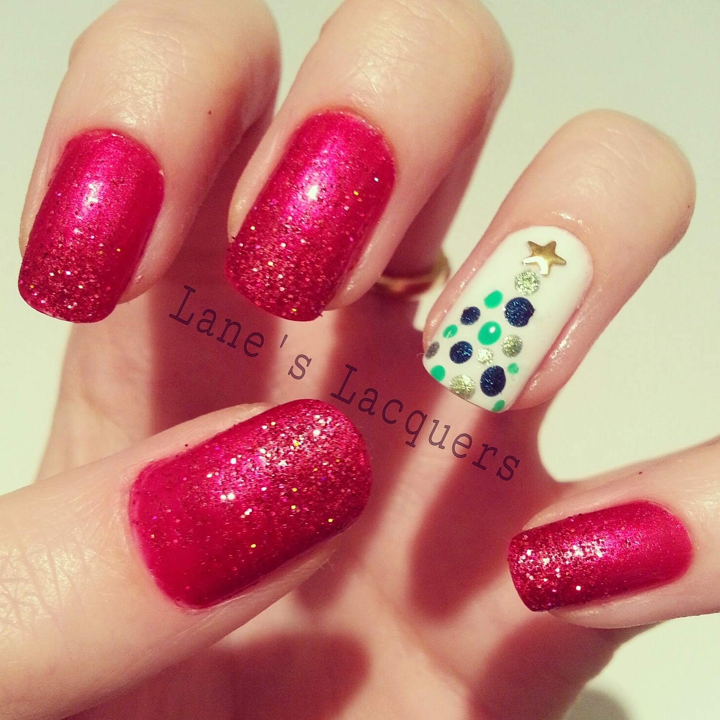 ciate-runway-ribbon-glitter-gradient-christmas-tree-nail-art