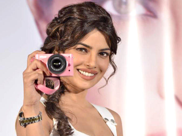 priyanka chopra launches nikon 1 cameras latest photos