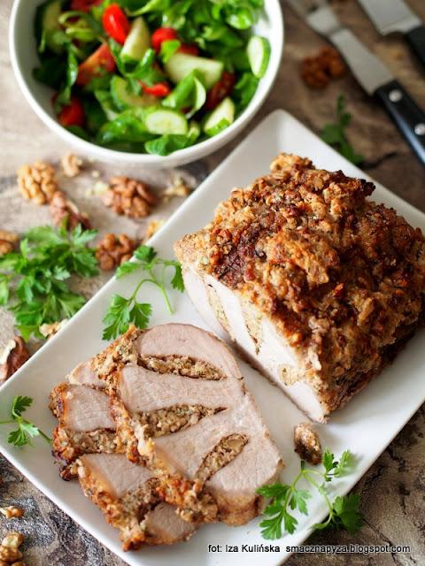 pieczeń , schab z orzechami , mięso , wieprzowina , schab środkowy , pieczyste , najlepsze przepisy , najsmaczniejsze dania , kuchnia domowa , obiad , orzechy włoskie
