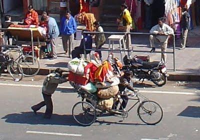 Foto Lucu Sepeda Dengan Muatan Paling Gila