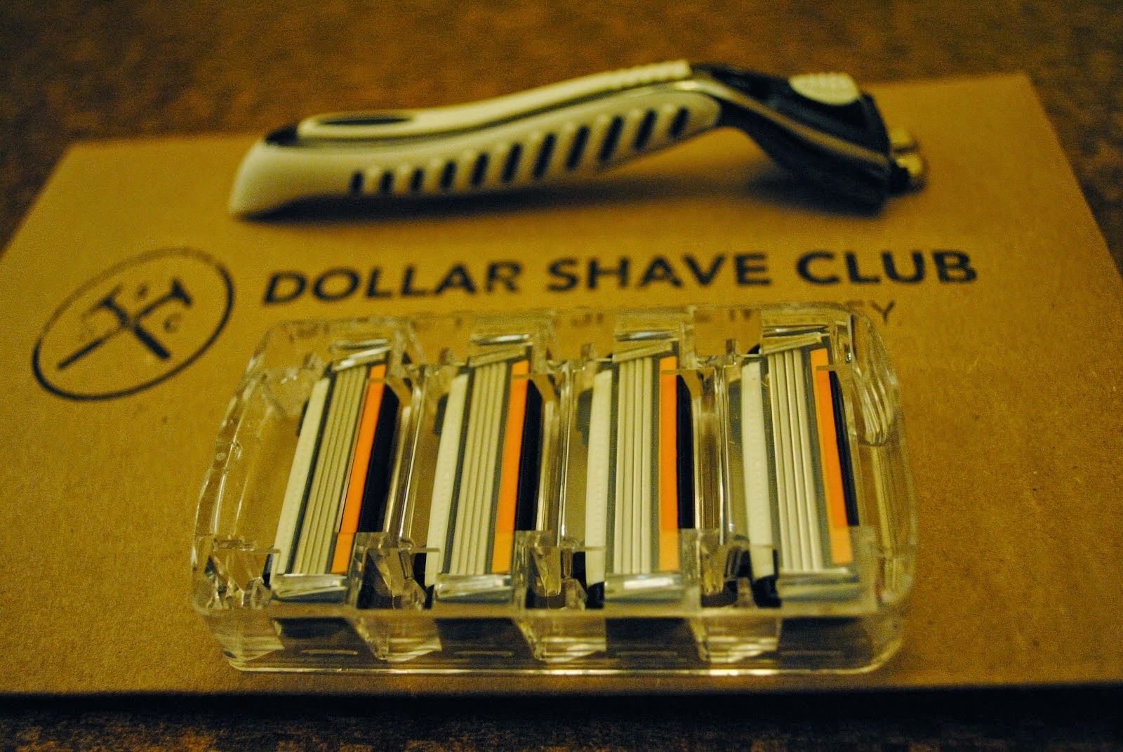 Dollar Shave Club, Razors