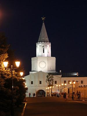 Спасская башня Казанского кремля ночью