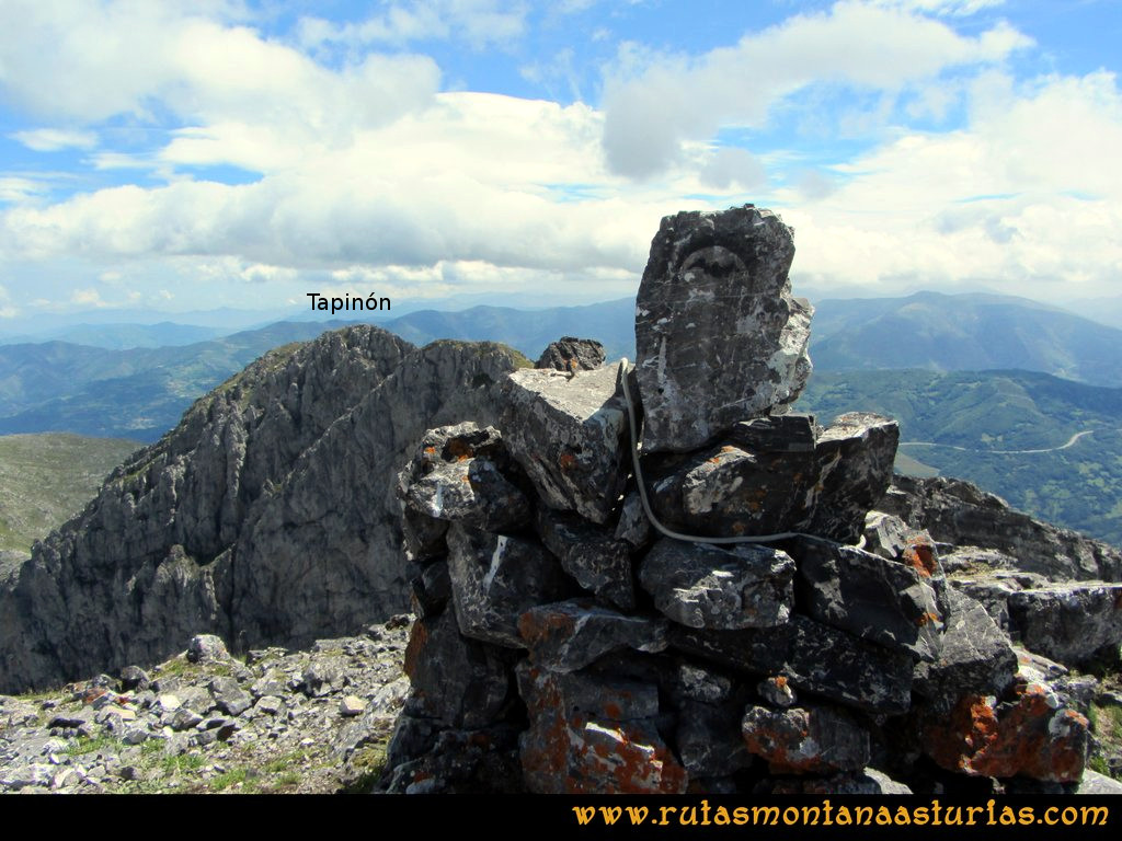 Ruta Tuiza Siegalavá: Vista del Tapinón