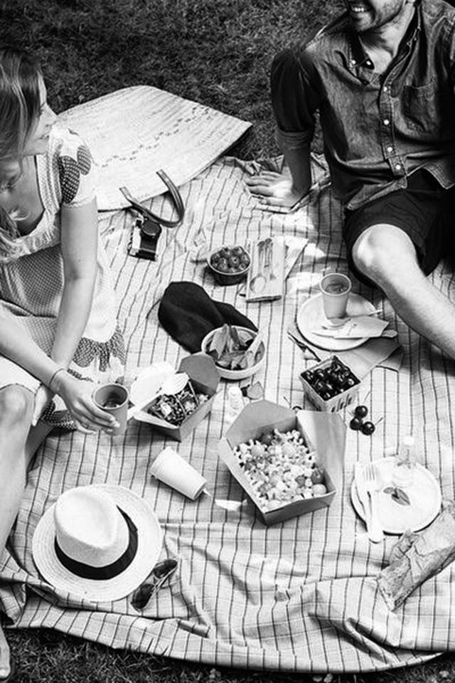 hermanas bolena picnic en el campo