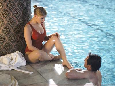 Scarlett Johansson Wallpaper in Bikini