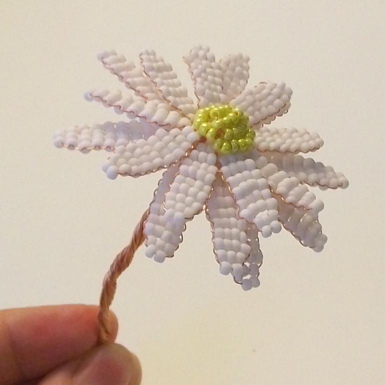 Поделки из бисера и проволоки цветы ромашки