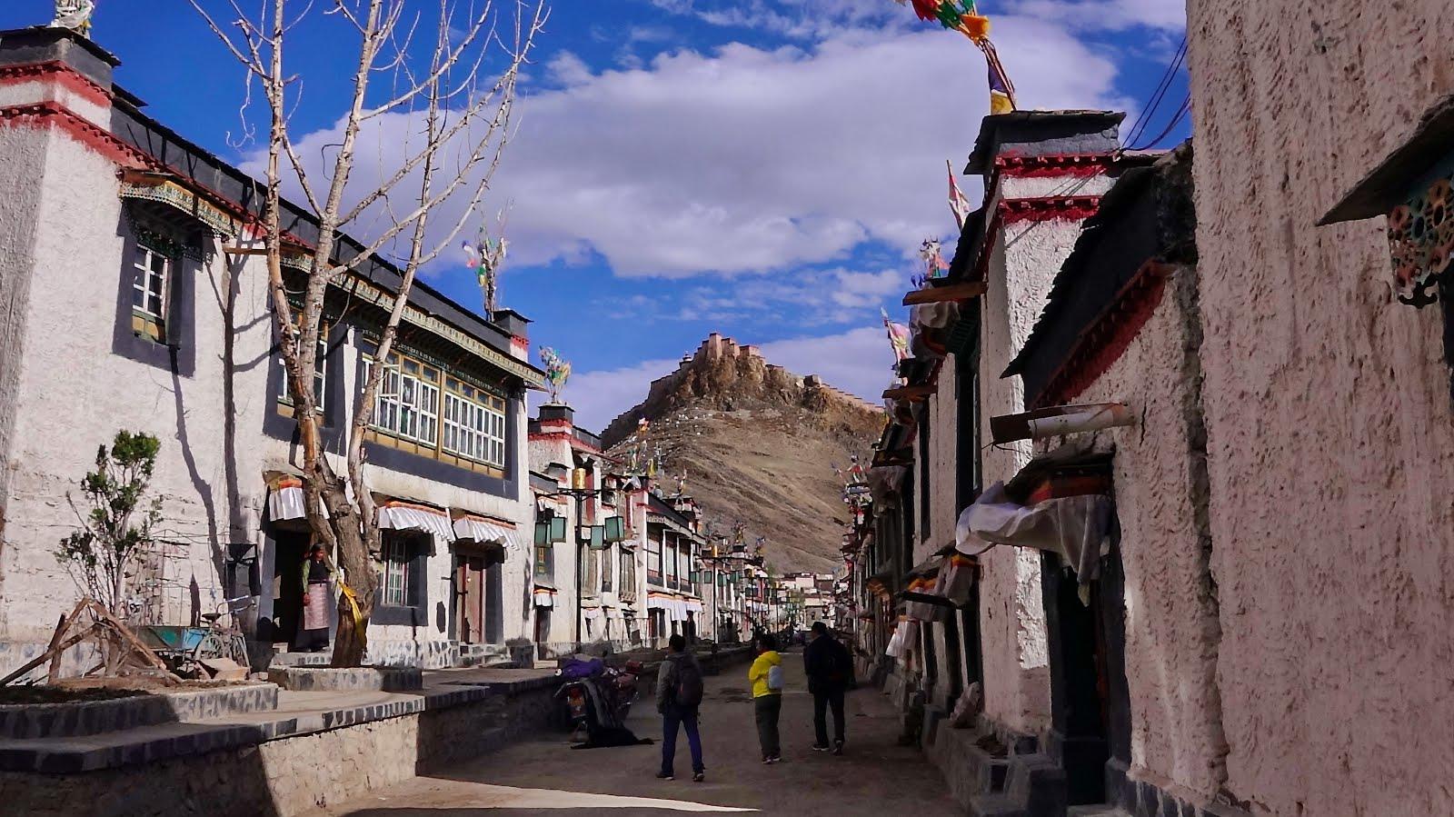 Gyanste, Tibet