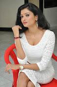 Ishitha Vyas sizzling pics-thumbnail-2
