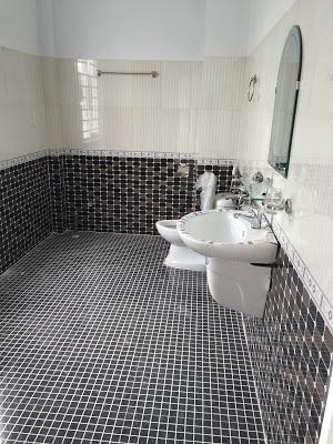 WC khép kín sạch sẽ