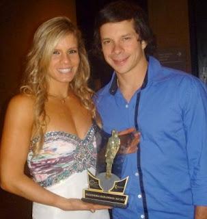 Alejandra Baigorria y Mario Hart, donde se lució en la entrega de premios Mujer de Oro