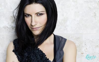 Italian Singer Laura Pausini Wallpaper