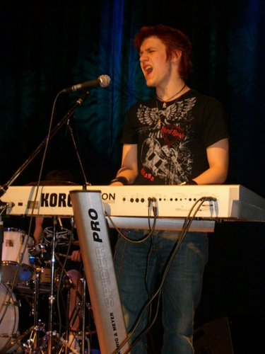 Lasse Raelahti, keyboards