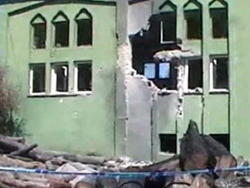 Masjid Yayladagi rusak parah akibat roket Suriah (foto WorldBulletin)