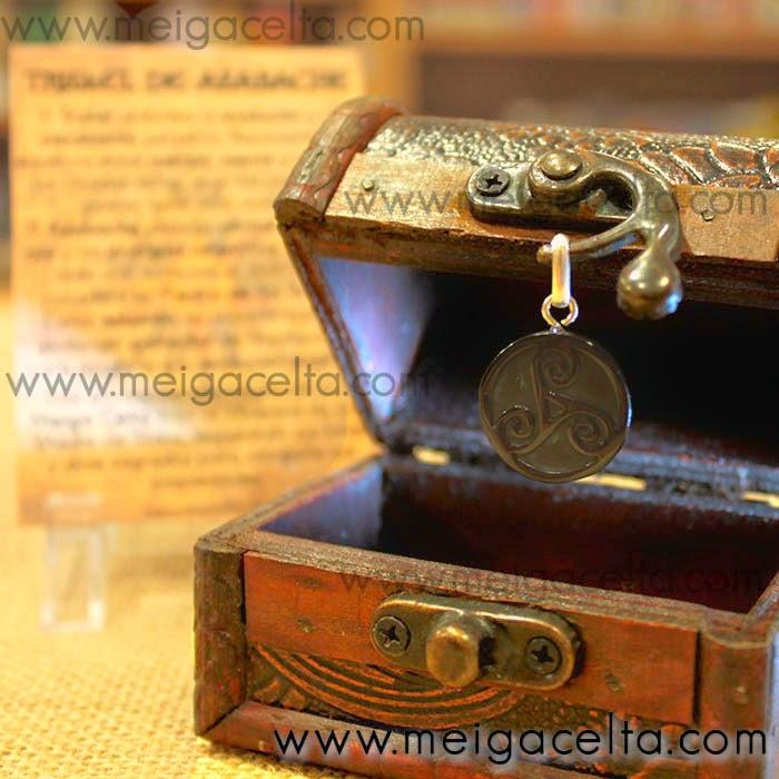Trisquel Triskel de Azabache y Plata Amuleto Protección Coruña Meiga Celta