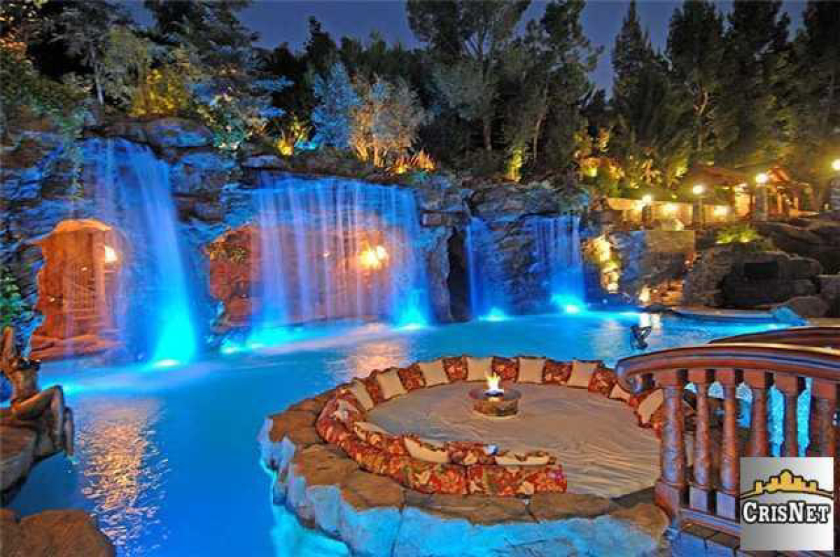 Mansion Backyard Ideas : rap is hip hop Pics Of Drakes House