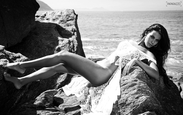 Fotos da Panicat Lorena Bueri no Paparazzo